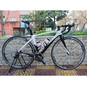 Giant Defy Advanced Yol Bisikleti